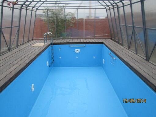 Открытый частный скиммерный бассейн