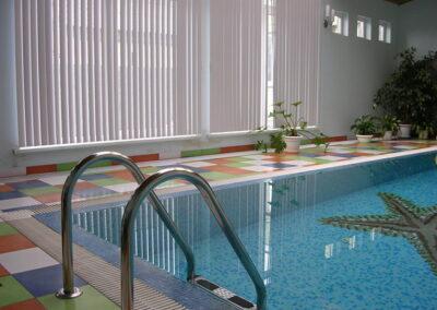 Частный переливной бассейн